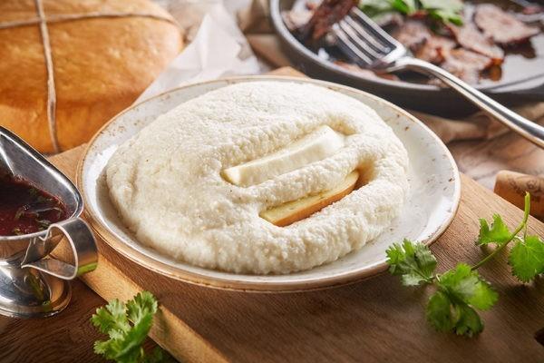 Гоми (мамалыга) с сыром