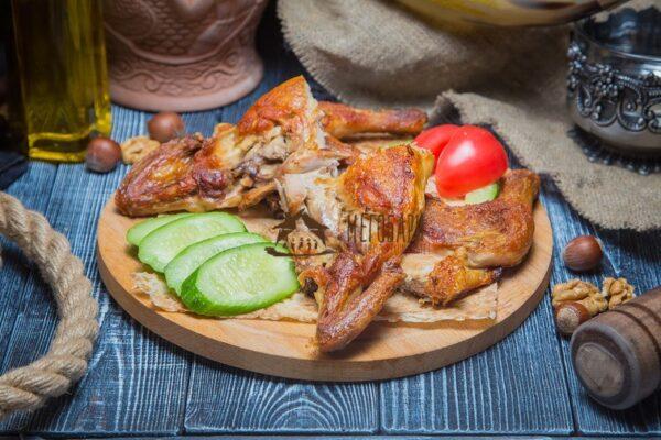 Цыпленок-табака на кеци