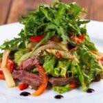 Теплый салат из говяжьей вырезки 250г